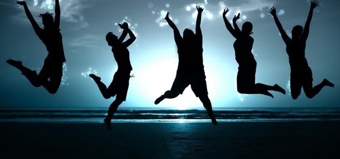 1366x768_happy-people-jumping-HD-Wallpaper